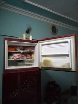 Frige for sale