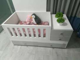 Designer baby bed with Wheels