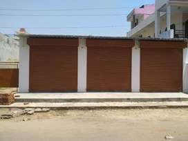 Main Road Shop for rent in Barra ( Near Ramashiv Hospital )