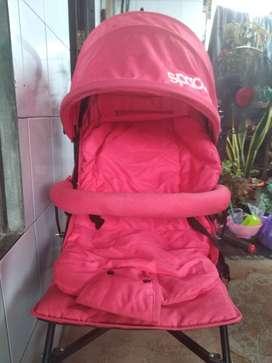 Di jual stroller bayi. Merk spacebaby