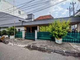 Dijual rumah pinggir jalan samping delear yamaha Mataram semarang