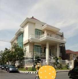 Hook Rumah Mewah 3 Lantai Jalan Delta Sari, Waru, Sidoarjo