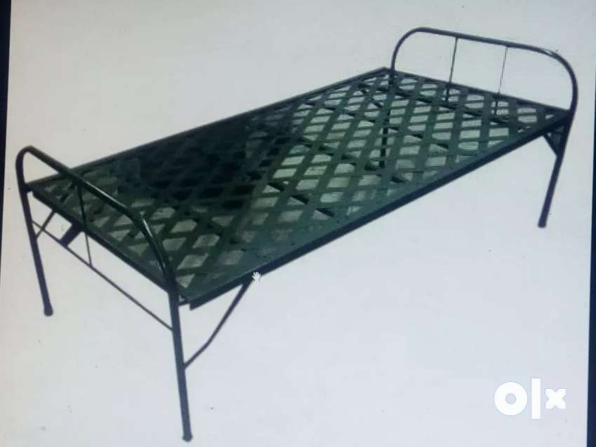 Iron foldable cot 4x6size with cotton bed 0