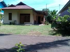 Jual rumah +bedengan 3 pintu