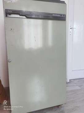 165 liter kelvinator fridge