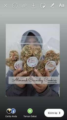 Almond Crunchy Pouch