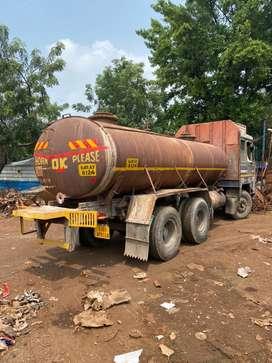 22 feet tanker truck