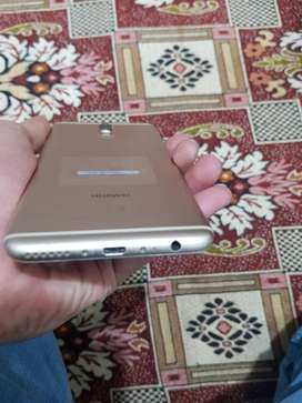 Mate 10 lite In Gold color