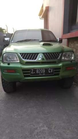 Mitsubishi Strada L200MT 4x4