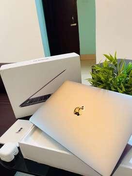 Macbook Pro 8/256GB touchbar