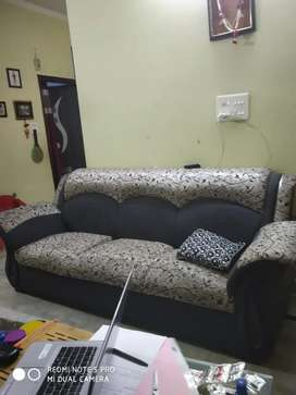 Five seater comfy Sofa set with Center table