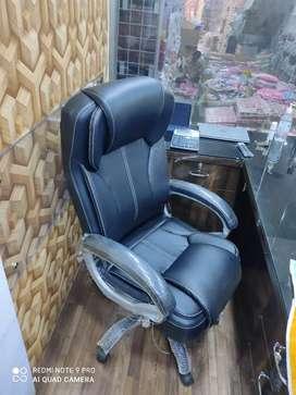 Executive high back boss chair meeting chair
