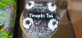 Cake Available At Aayush Bekars Kalyan