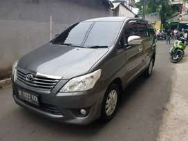 Toyota kijang Inova 2011 type E up great G istimewa bgt