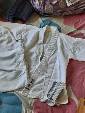 Taekwondo/Karate Uniform for 5-9 yrs old (new)