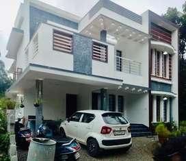 Aluva chunangamveli 5cent 2000sqft 4bhk house