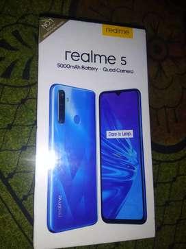 Realme 5 (3/32)