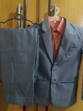 3 pant coats all in 2500Rs.