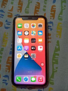I phone 11 white 64gb