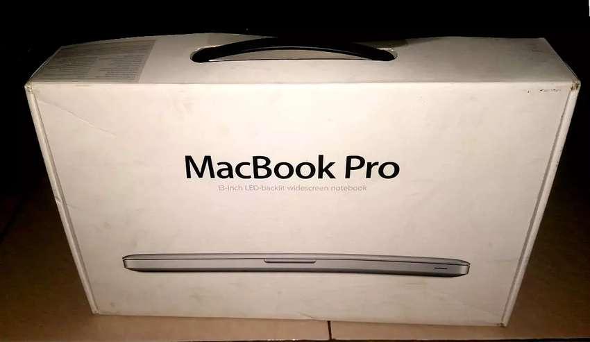 Second Mac Book Pro 13 inch ram 4gb rom 500gb year 2015 0