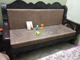 Sale sofa and table