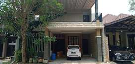 Rumah Royal Ketintang Regency Bangunan 2lt Lokasi Jalan Utama