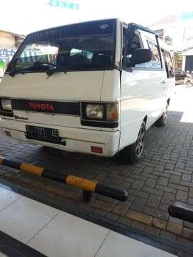 Mitsubishi L300 mini buss
