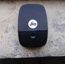 Jio router M2 ( black)
