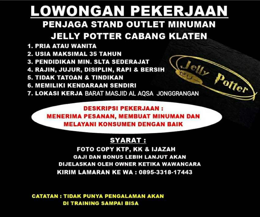 Penjaga Stand Minuman Jelly Potter Di Jonggrangan Klaten 0