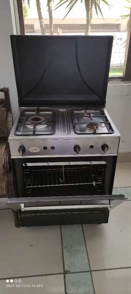 Microwave good condition no one fault a few months used