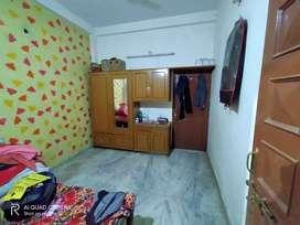 Single room on rent at sant nagar near gurudwara