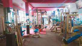 Body building club and equipments