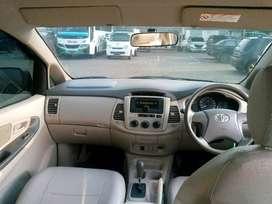 Toyota Innova E AT 2014 (unit lelang)