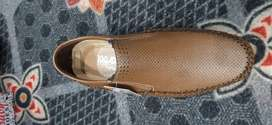gents child and ledies shose available