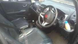Dijual cepat Mobil Honda Jazz RS M/T 2012
