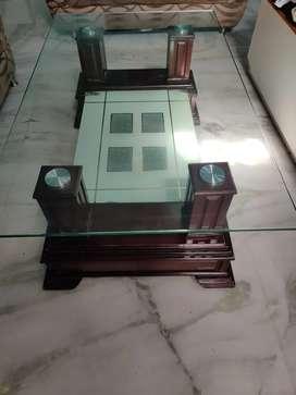 Centar table for hall