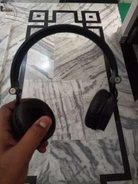 Boat rokers 400 headphone