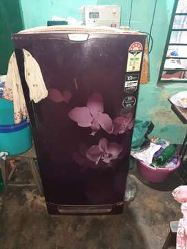 Godrej single door fridge 190liter