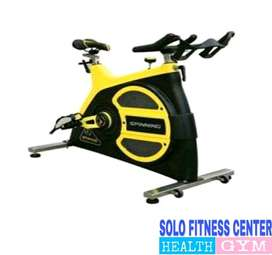 Commercial Class Spinning Bike S-600c solo fitness center