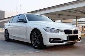 BMW 320i Sport 2014 White Perfect Condition! c200 c250 520i