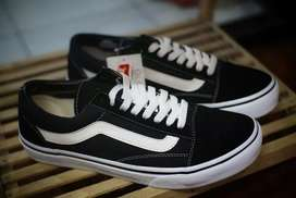 Sepatu Vans Old Skool Black White Original 100% BNIB