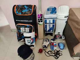 Cricket kit cheap rate. 3day used.