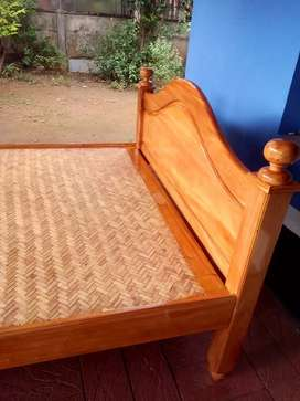 One side bed