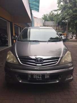 Innova 2.5 V diesel MT 2010