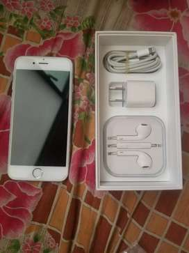 Iphone 6s 128 gb box with charger