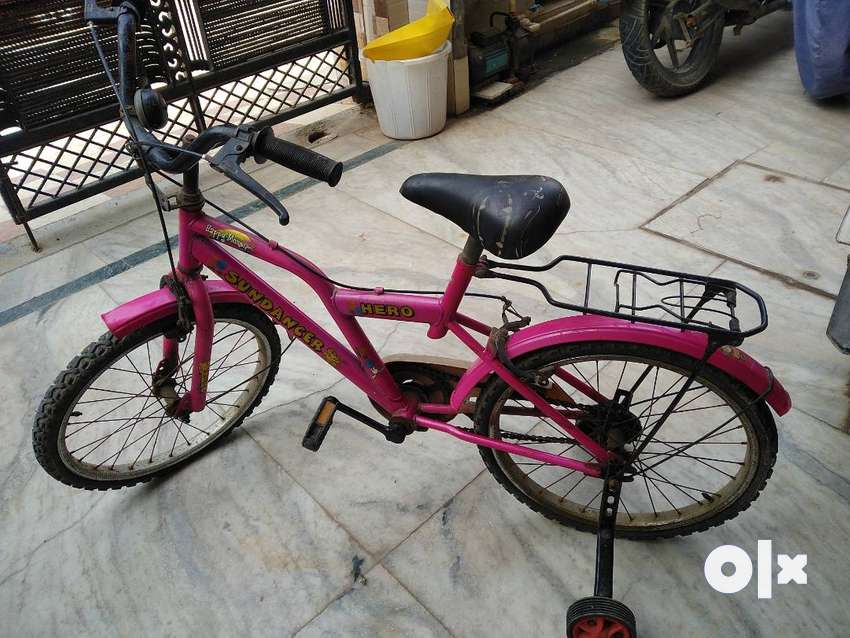 Hero cycle in very good condition for 8 to10years children's , 0
