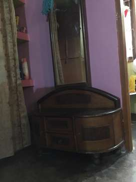 Dressing table available apong with mirror , 4 years old