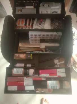 Makeup kit for sale high branded products