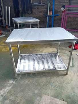 Meja kerja dan rack tray