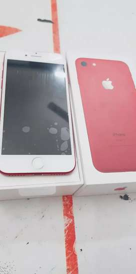I am selling iPhone 7 128gb with bill box six  month sellers warranty